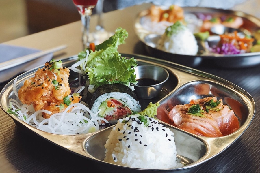 5 Of The Best Sushi Spots In Minneapolis Wcco Cbs Minnesota