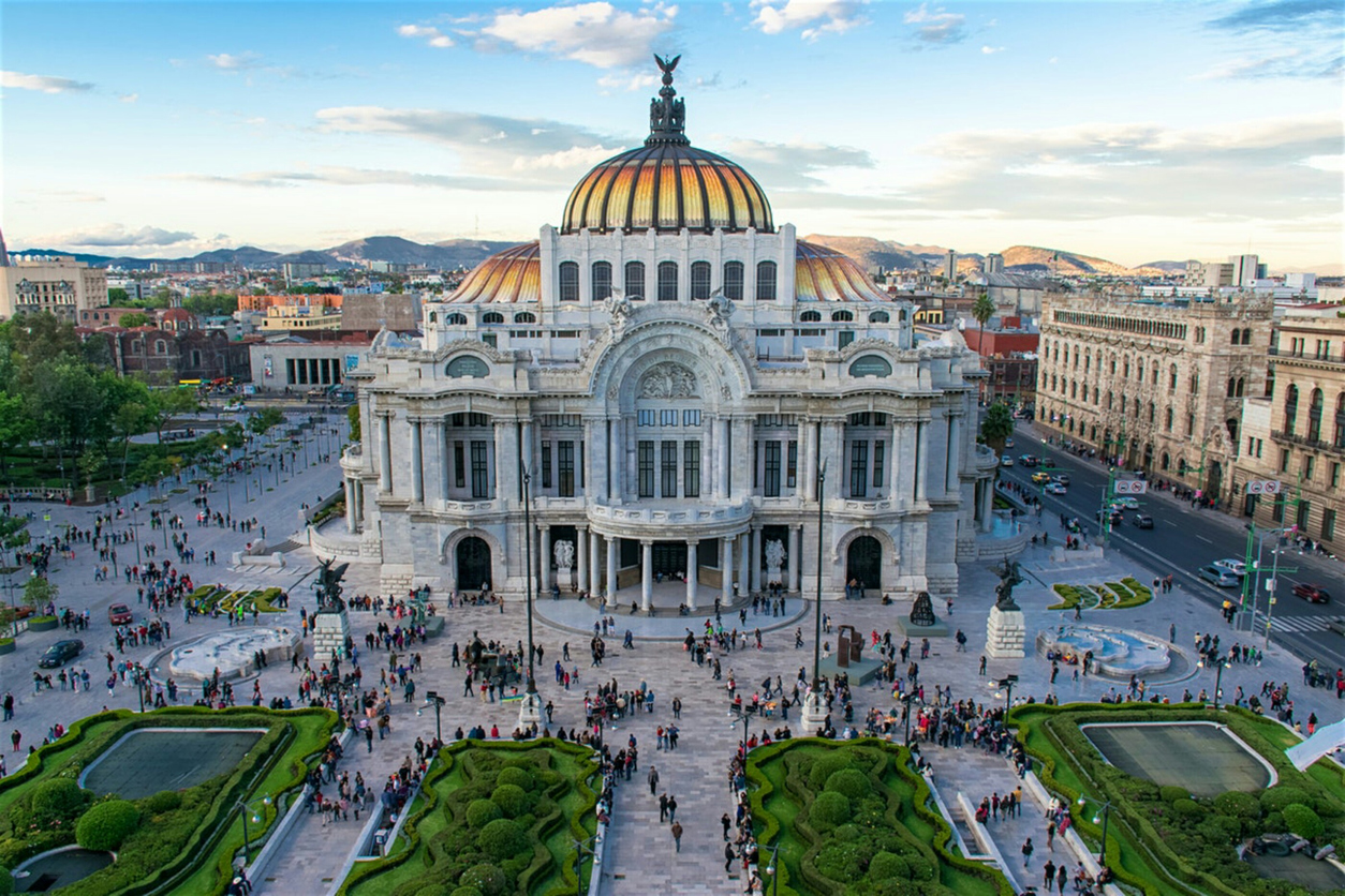 Explore the best of Mexico City with cheap flights from Oakland