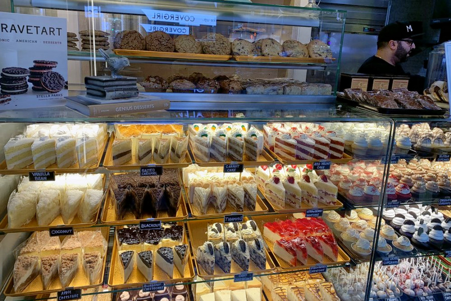 Theater District gets a new bakery: Mia's Bakery