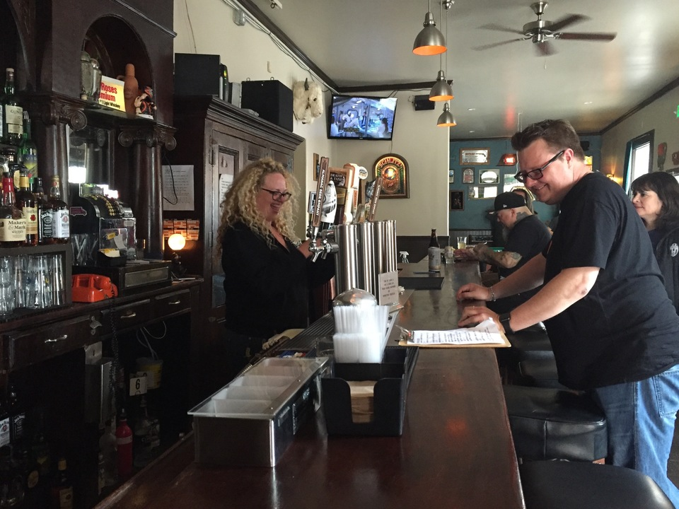 Inside The Wooden Nickel The Missions All Female Owned Dive Bar