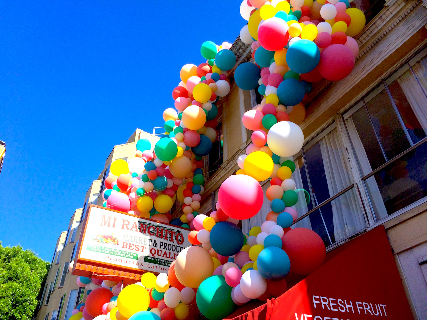 5000 Balloon Art Installation Pops Up at