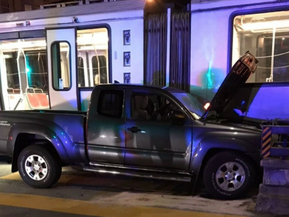 Pickup truck collides with N-Judah train, disrupting service