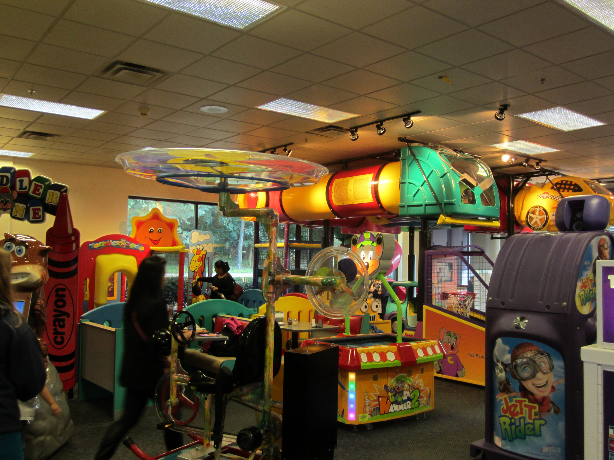 Chuck E Cheese S Makes Surprise Debut In Former Patio