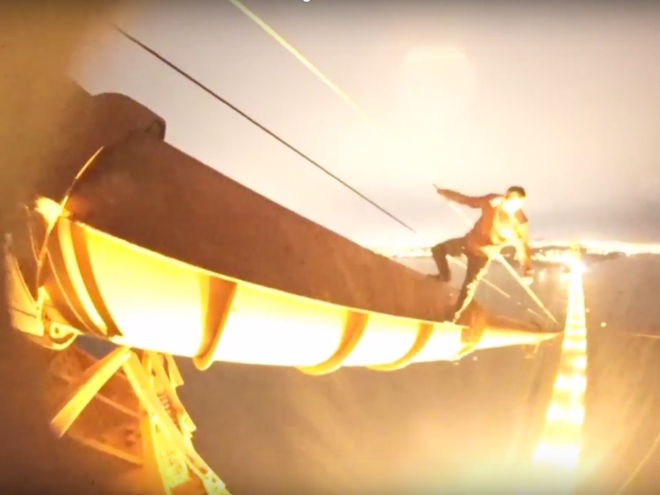 Teens scale Golden Gate Bridge tower, perform stunts