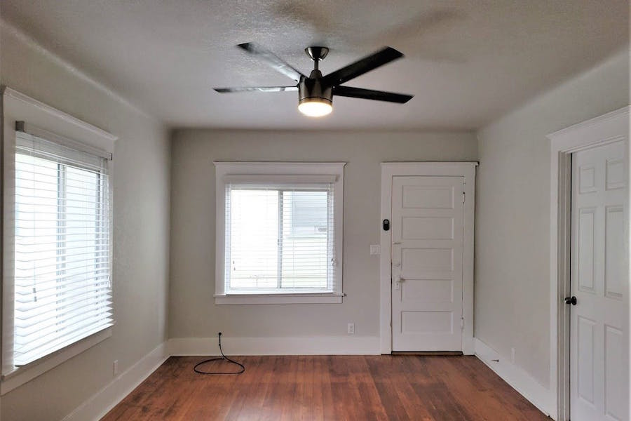 The cheapest apartment rentals for rent in Downtown, Long ...