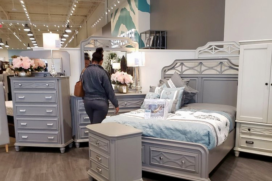 New Bob S Discount Furniture Store Now Open In Southwest