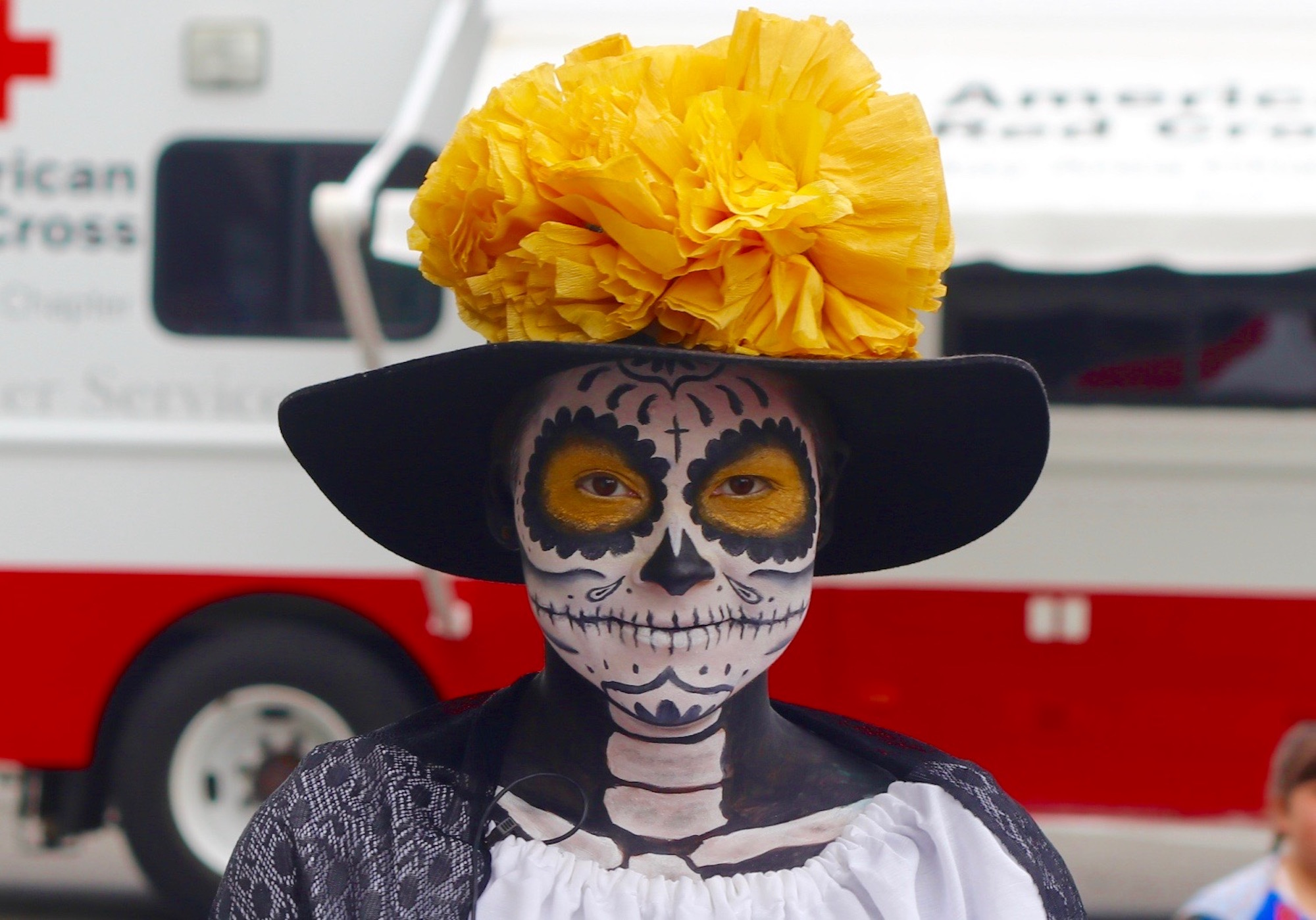 After Mexico Quakes, Day of the Dead Parade Honors Rescuers