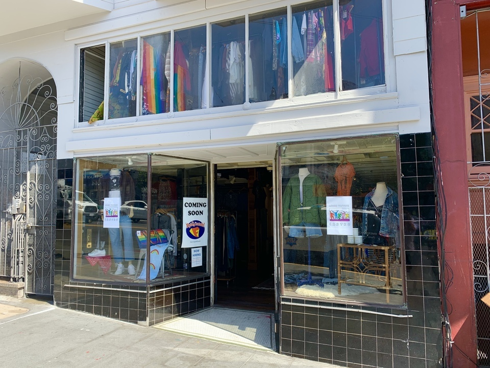 Vintage pop-up opens in future falafel space on Castro Street