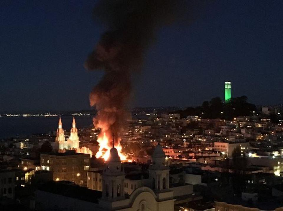 1 killed in fire at adult bookstore in San Francisco