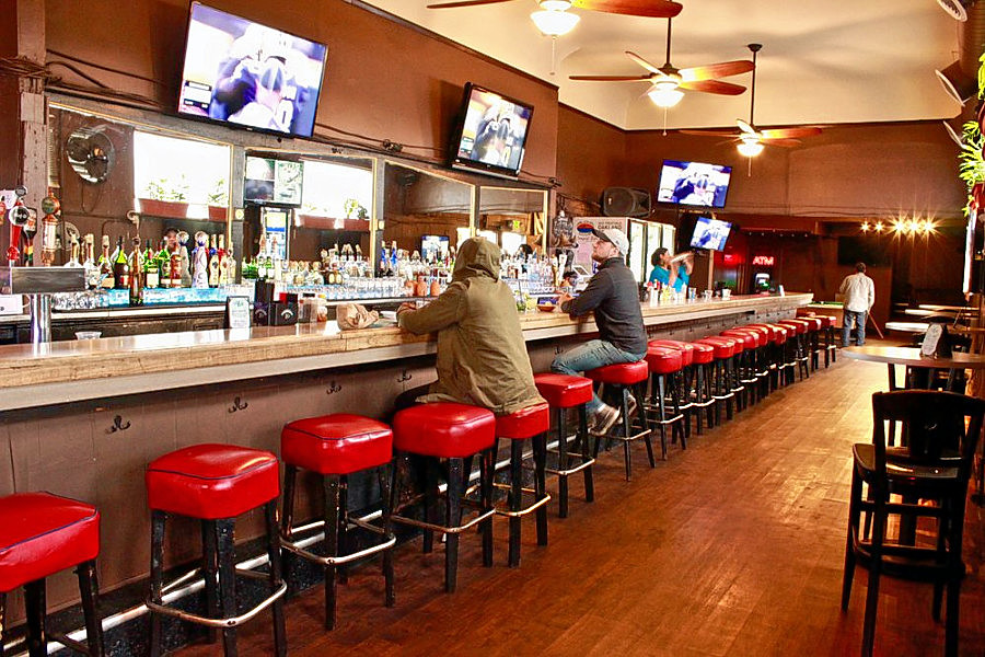 Batter up: Watch the World Series at one of Oakland's top sports bars