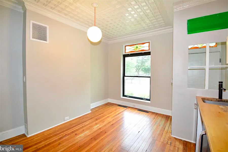 What apartments will $1,700 rent you in Capitol Hill, this month?